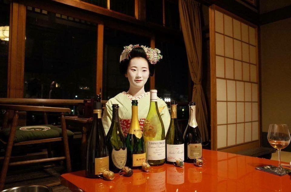 Champagne Devaux Cuvée D avec une Geisha! De beaux accords mets et champagnes
