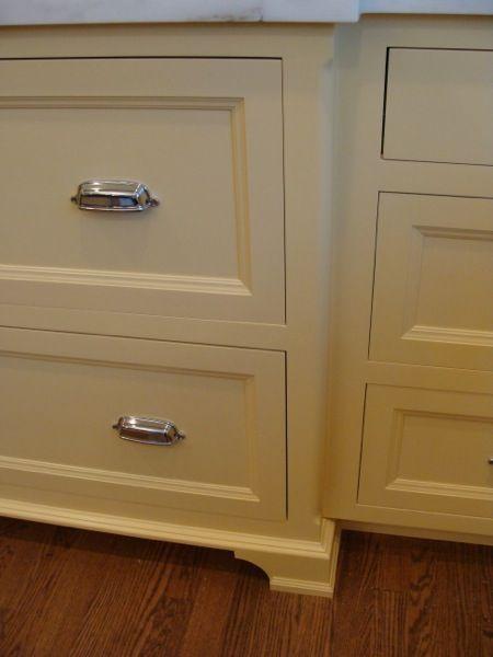 A Little Bit More Interesting Than A Basic Shaker I Also Like The Feet On These Cabinets Kitchen Cabinet Styles Shaker Cabinets Shaker Style Cabinets