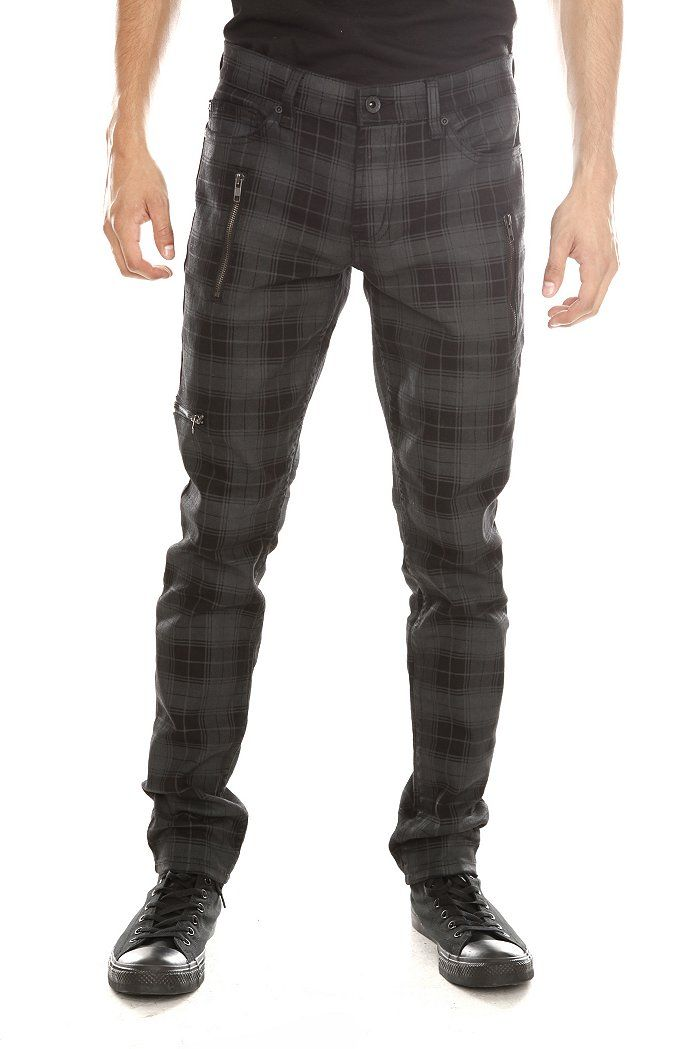 I've been looking for a good pair of plaid pants for ages! Thank you Hot Topic for delivering!