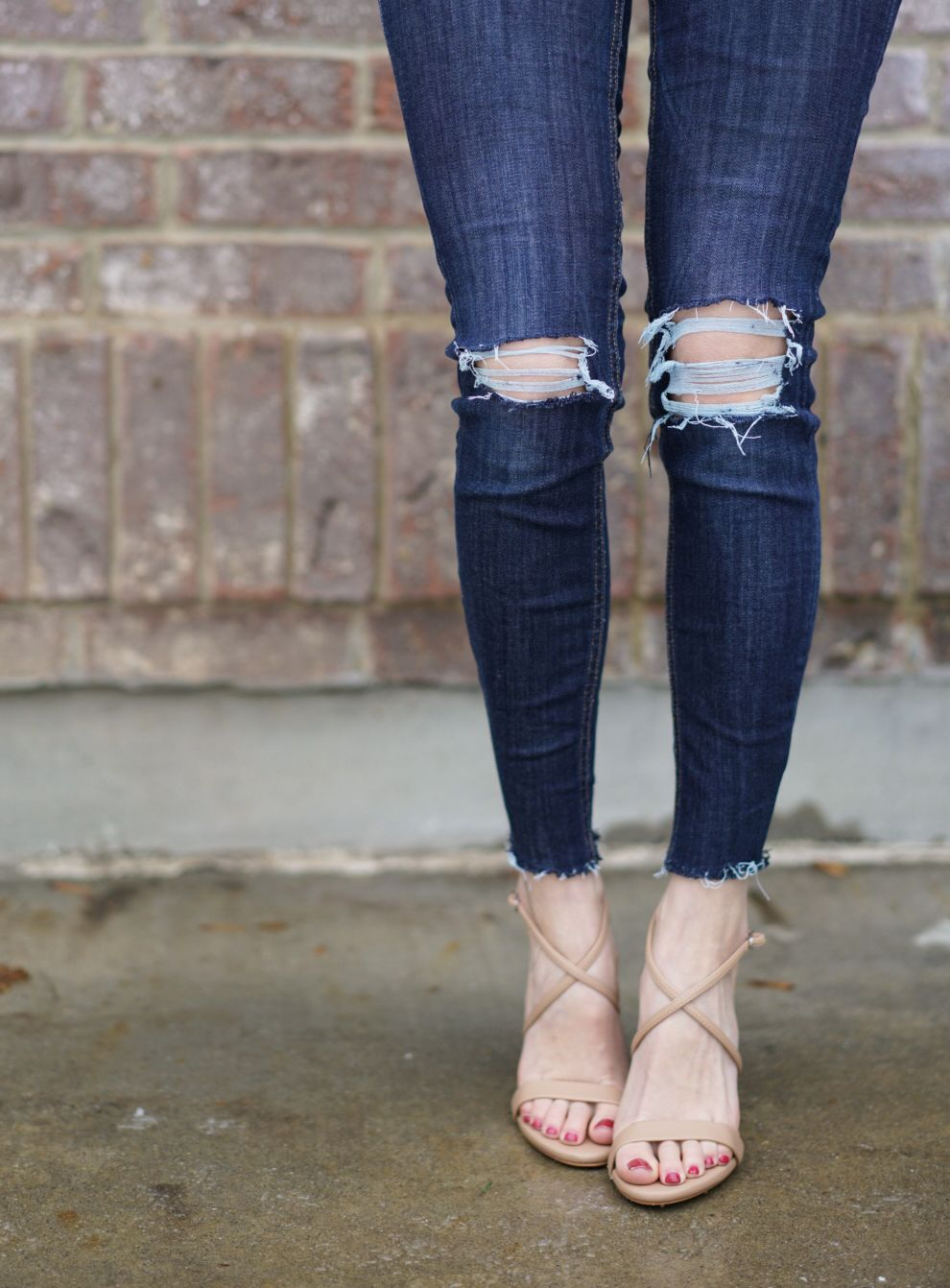 how to fray jeans with tweezers