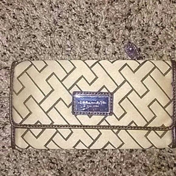 Tommy Hilfiger brown & tan Wallet Tommy Hilfiger wallet Tommy Hilfiger Accessories