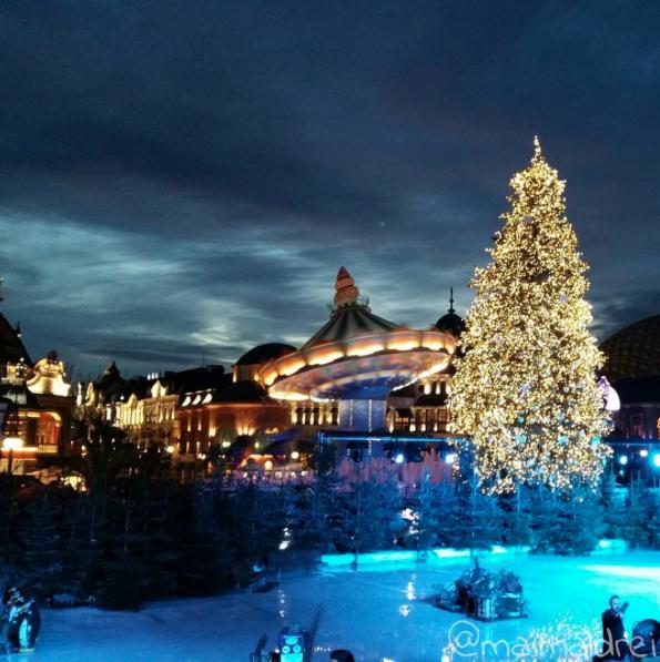 Phantasialand Koln Bruhl Winter 2015 Weihnachtsbaum Lichterkette Karussell Phantasialand Lichterkette Weihnachtsbaum