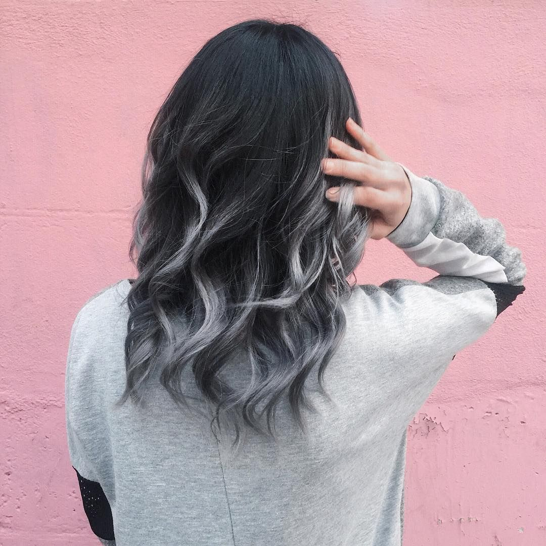 Awesome 45 Unbelievable Silver Ombre Hair Grey Ombre Hair Stunning Ways Of Wearing Grey Hair Looks Grey Ombre Hair Silver Ombre Hair