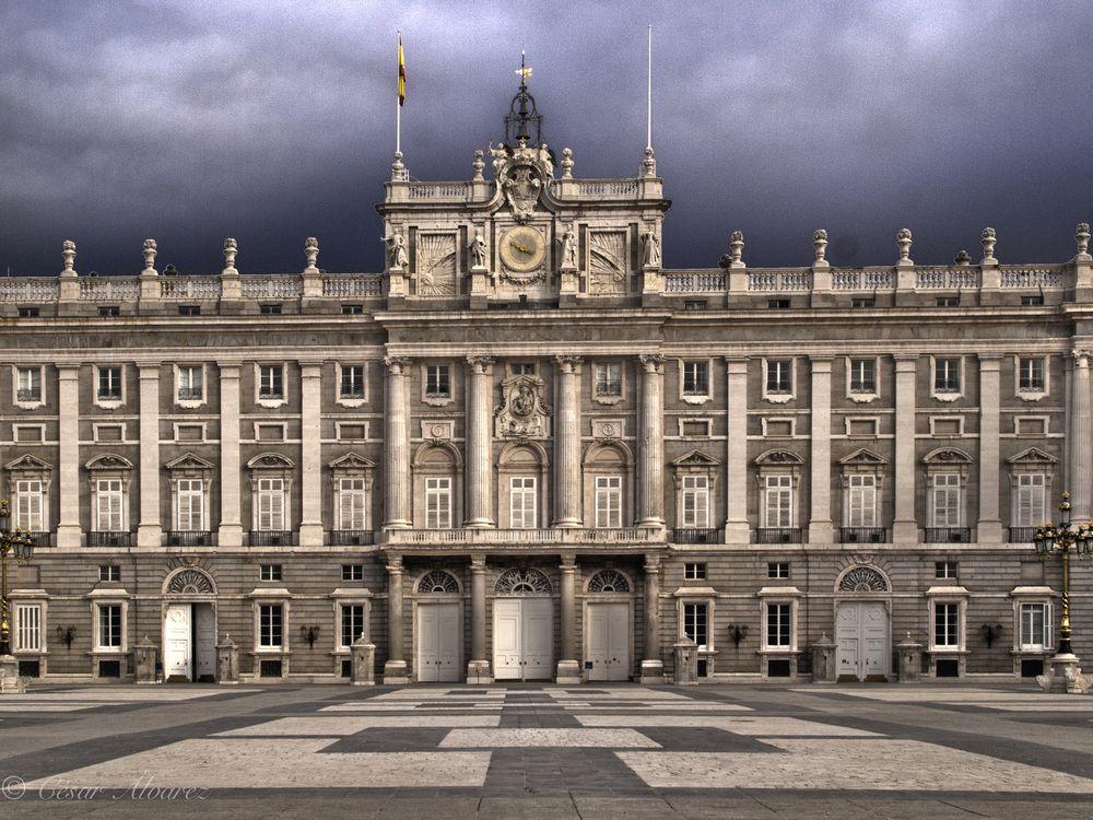 Frente a Palacio