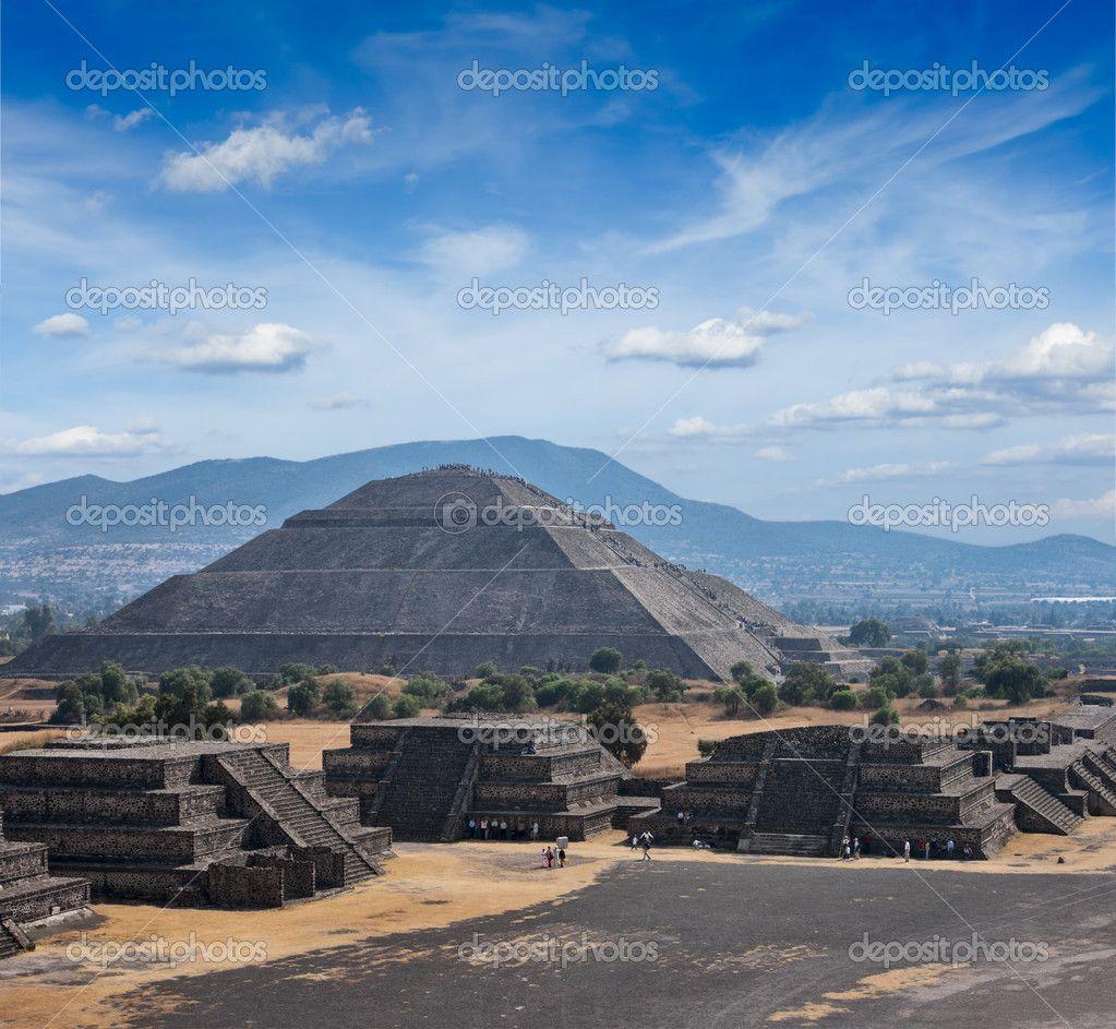depositphotos_34471383-Teotihuacan-Pyramids