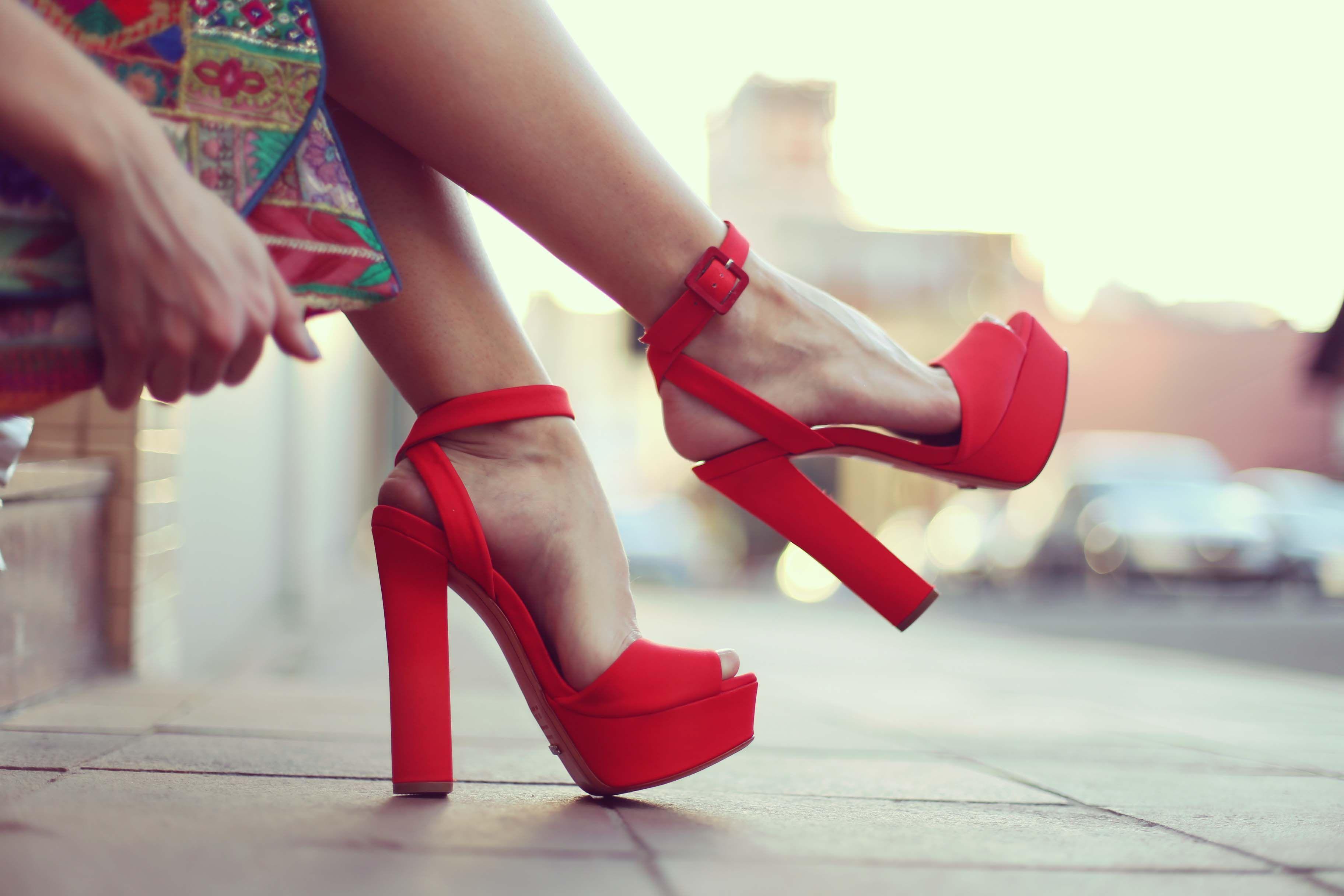 sandalia vermelha - Google Search