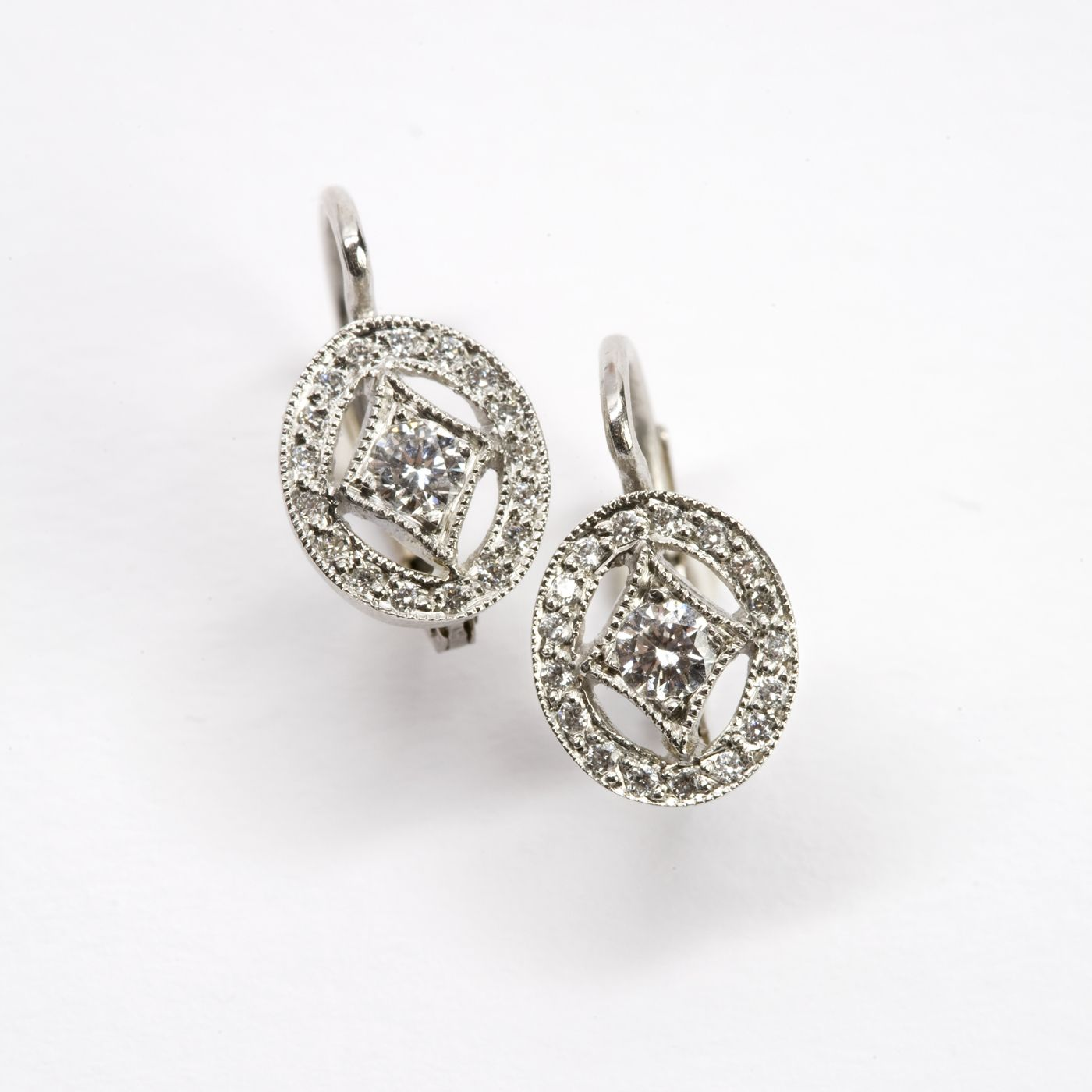 Julia Roberts Lancôme Ad Earrings Oval Frame From Cathy Waterman In Platinum And