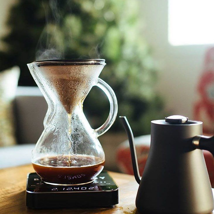 Chemex using the reusable Kone filter Acaia Pearl &Matt Black Stagg! Shop Chemex @alternativebrewing Link in Bio Great Gifts Onlineby @mikflores