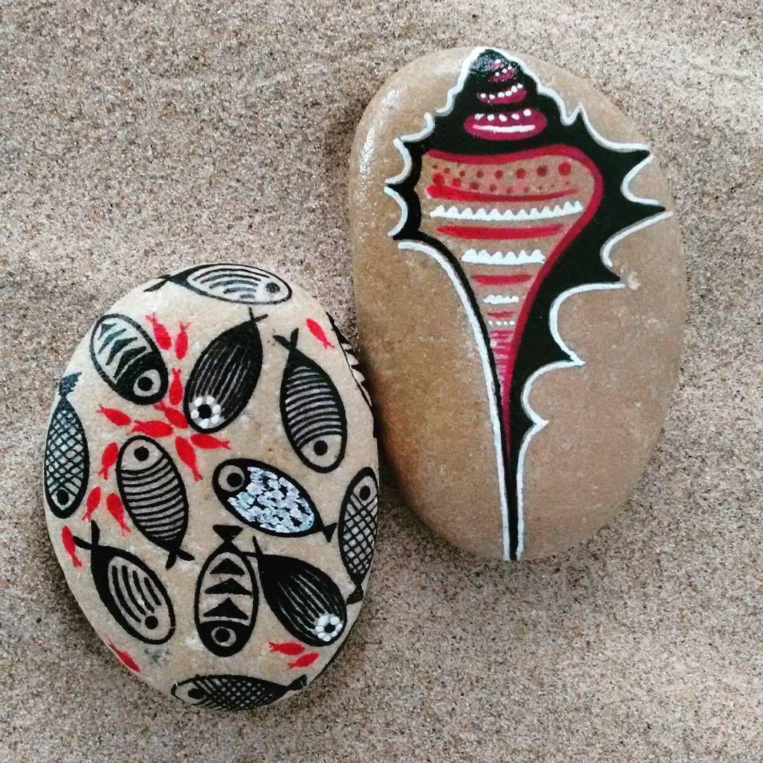 #handmade #stone #stonepainting #stonelovers #rock #fish #poisson #personalizado #beautiful #handpainted #gandia #piedras #lovely #piedraspintadas #deco #mediterraneo #fresa #giftwithlove #pedreta