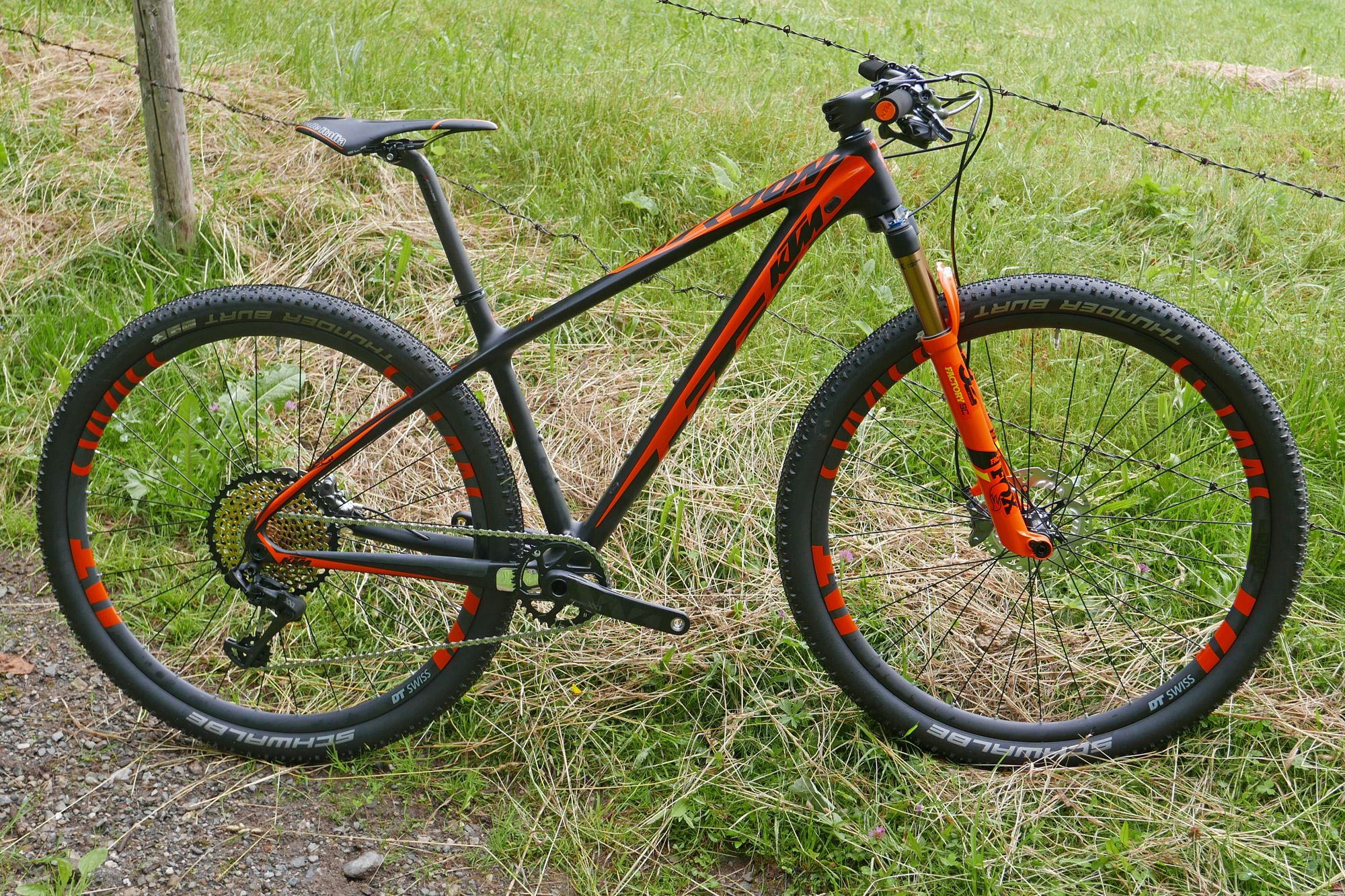 Ktm Lays Up Race Ready Xc Full Suspension Scarp Hardtail Myroon In New Light Sonic Editions Xc Mountain Bike