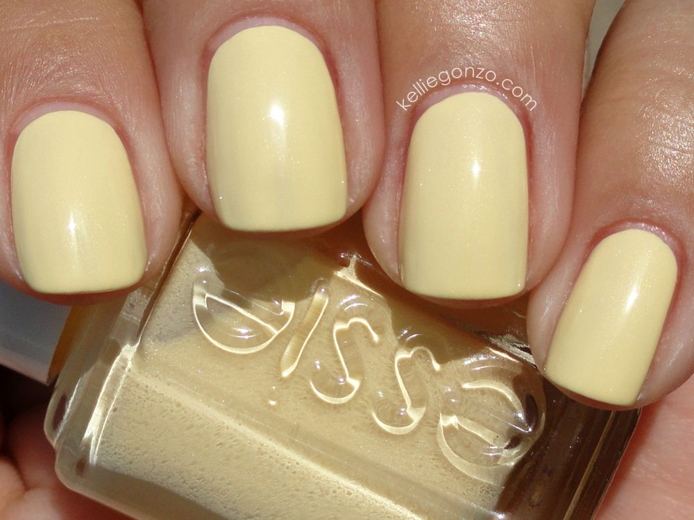 Essie\'s Barbuda Banana, this nail polish literally does not exist ...