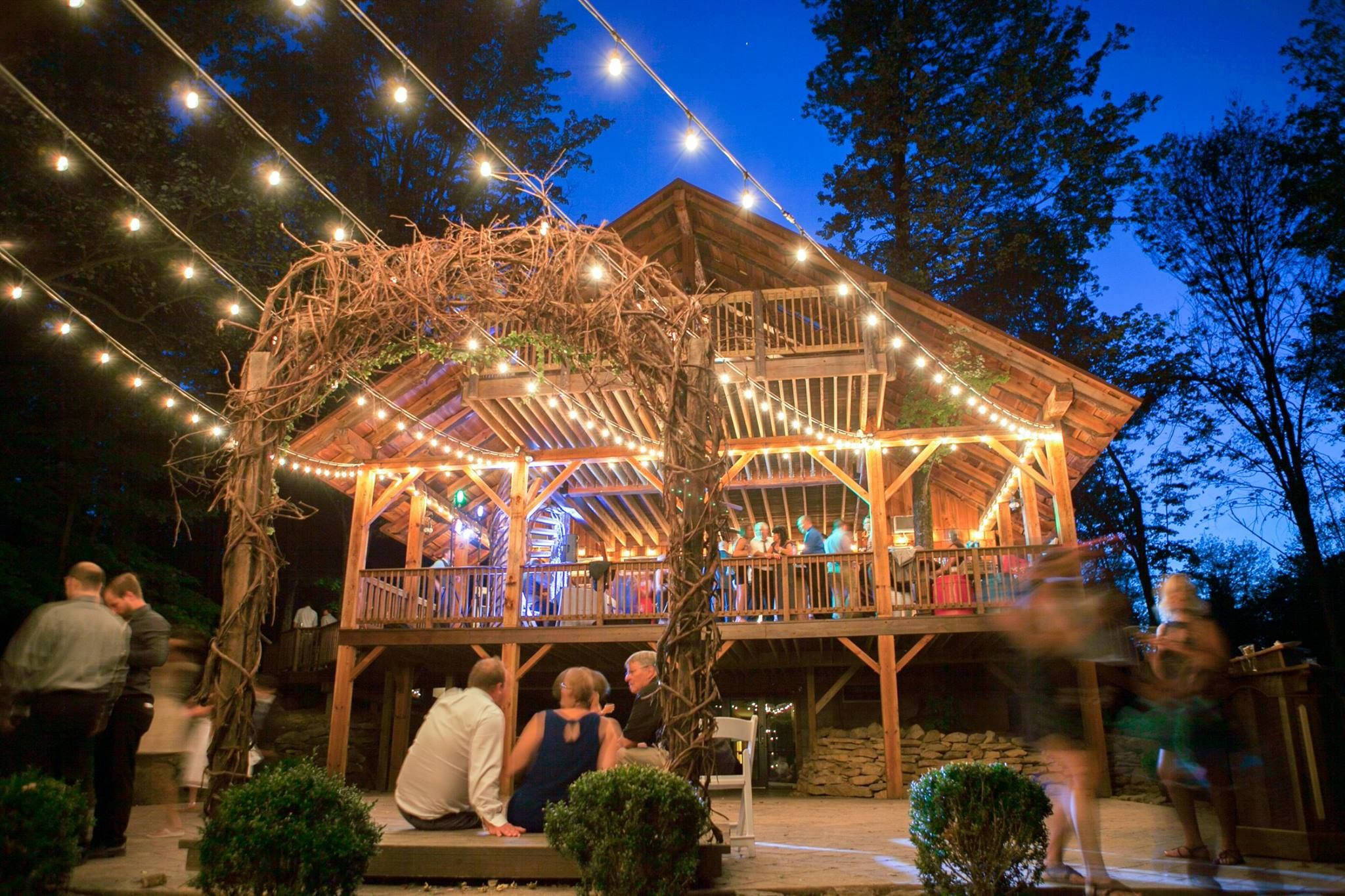 Exterior Of The Grand Barn At The Mohicans Treehouse Honeymoon Suites Barn Wedding Rustic Barn Wedding Treehouse Wedding