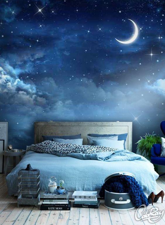 Eine super Idee für ein Schlafzimmer! Wir lieben diese Vinyltapete