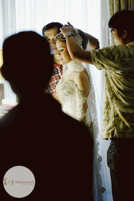 Starting the happy day Wedding with Maheswara  #decoration #prewedd #prewedding #weddingku #fotograferjakarta #weddingphoto #fotowedding #weddingphotography #brides #fotograferwedding #wo #akadnikah #candid #weddingday #mahligai #maheswara #capturingmoments #bridal #weddingorganizer #weddingplanner #weddingphotographer #thebridestory #thebridedept #junebugweddings #smpwedding #signatureweddings #signatureweddingasia #theweddingscope