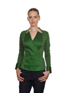 Camicia stretch verde oliva, doppio tessuto, scollo irregolare