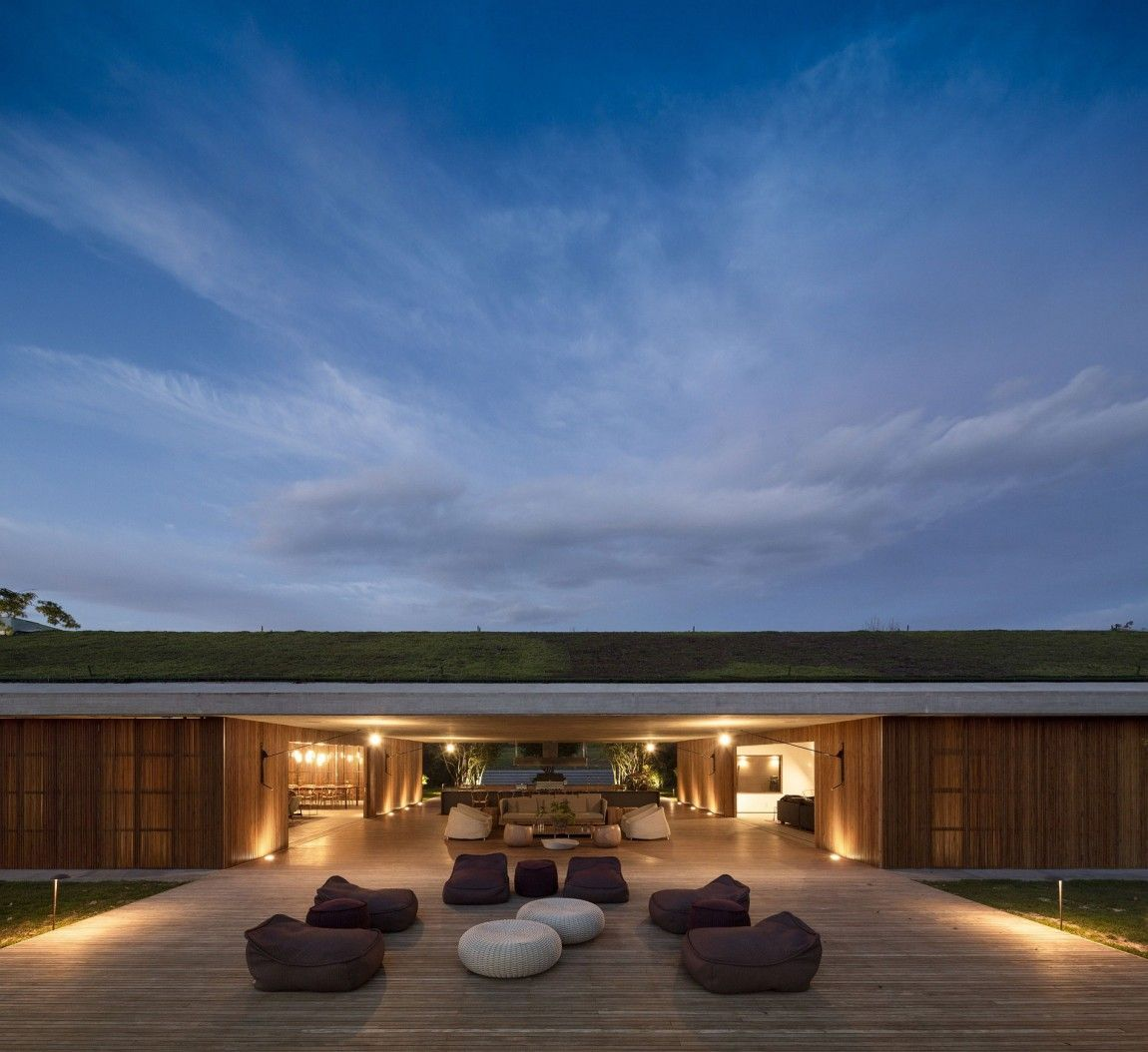 Interior/exterior overflow at the M House in Bragança Paulista, Brasil by StudioMK27