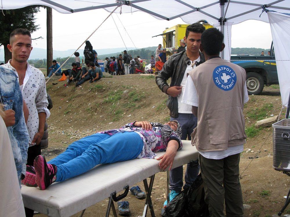 Το δικαίωμα στην περίθαλψη είναι δικαίωμα στη ζωή - http://parallaximag.gr/parallax-view/to-dikeoma-stin-perithalpsi-ine-dikeoma-sti-zoi