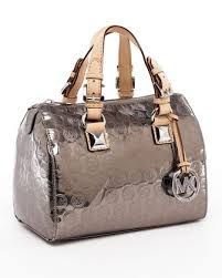 love this Michael Kors bag! MK handbags for ladies!