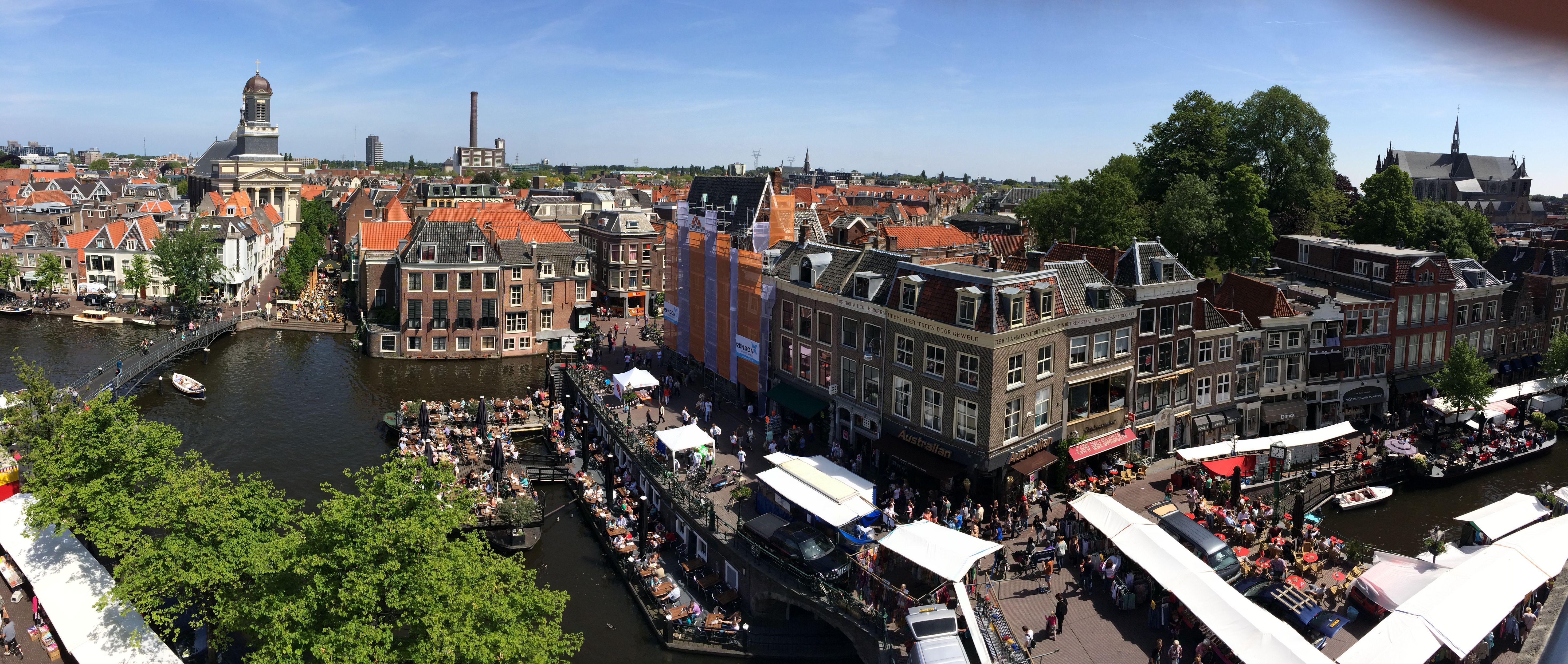Leiden, foto genomen vanaf terras V&D