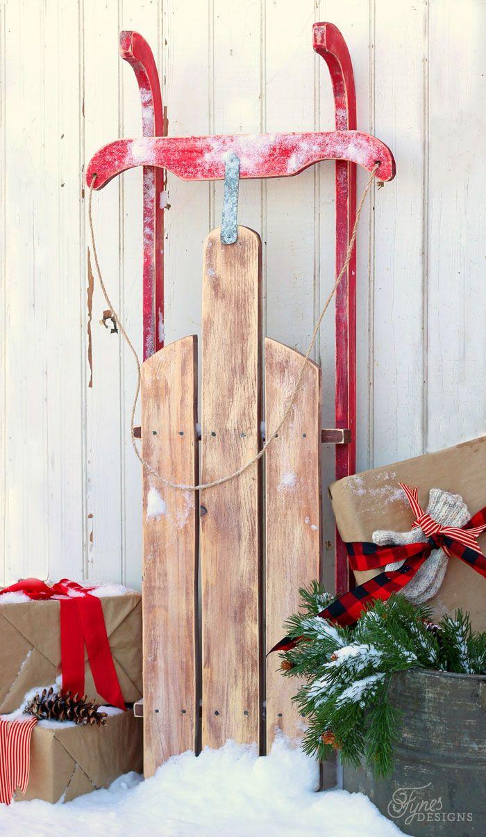 Diy 10 vintage sled sled diy and tutorials for Antique sled christmas decoration