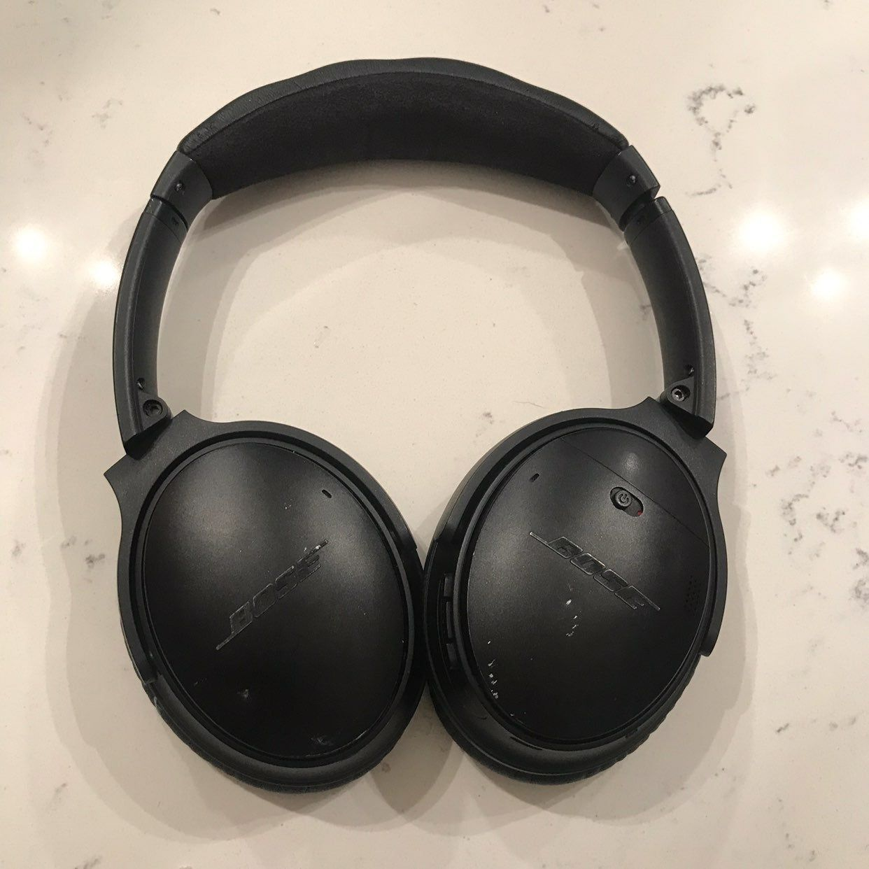 Bose Quiet Comfort 35 Series I The Sides Of The Headphones Have Wear The Ear Muffs Have Some Light Wear And The Last Picture Leather Pieces Earmuffs Leather
