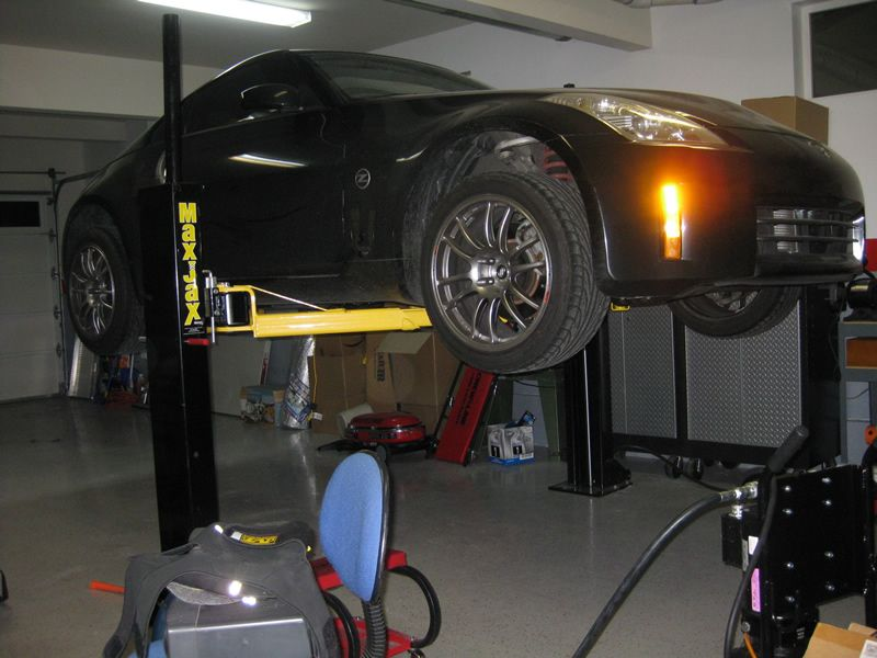 2 Post Lifts / Low Ceiling Height (10.75') The Garage