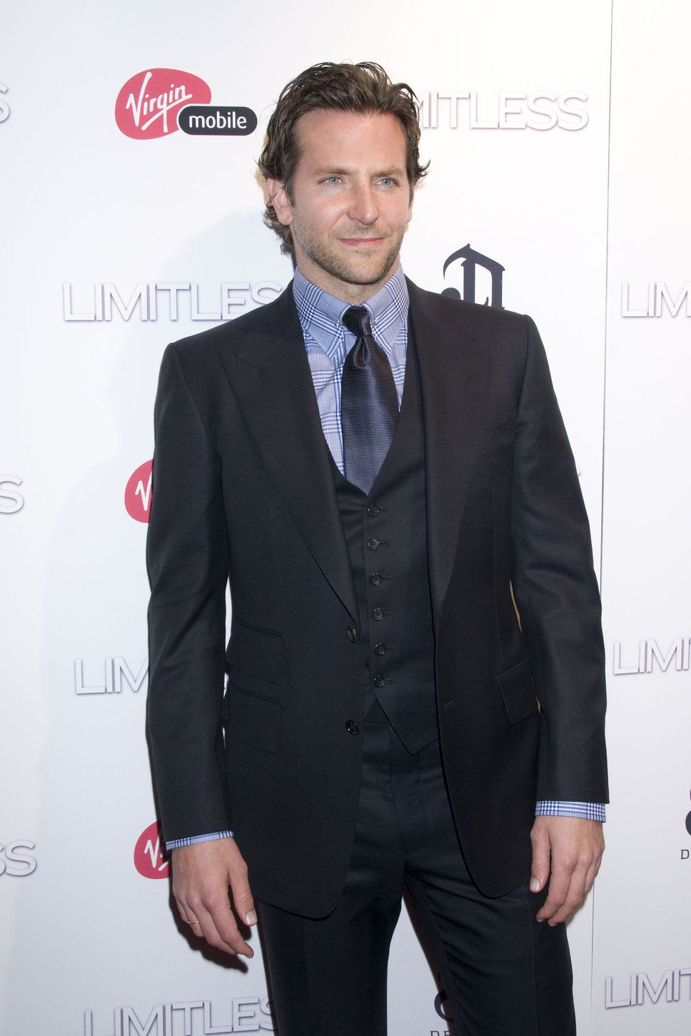 Bradley Cooper black blazer blue shirt dark blue tie photo ...