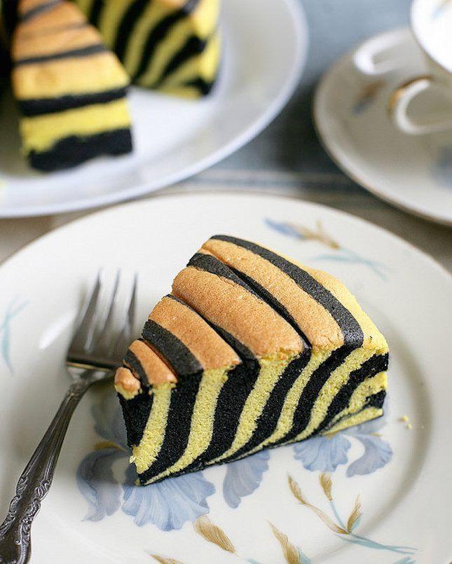 Wtf 12 Ways To Use Charcoal In Your Recipes Cake Recipes Ogura Cake Zebra Cake