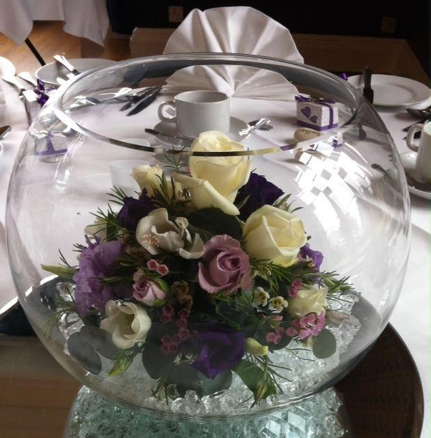 Fish Bowl Wedding Centrepiece Ideas: Fishbowl Table Centre With Arrangement Inside