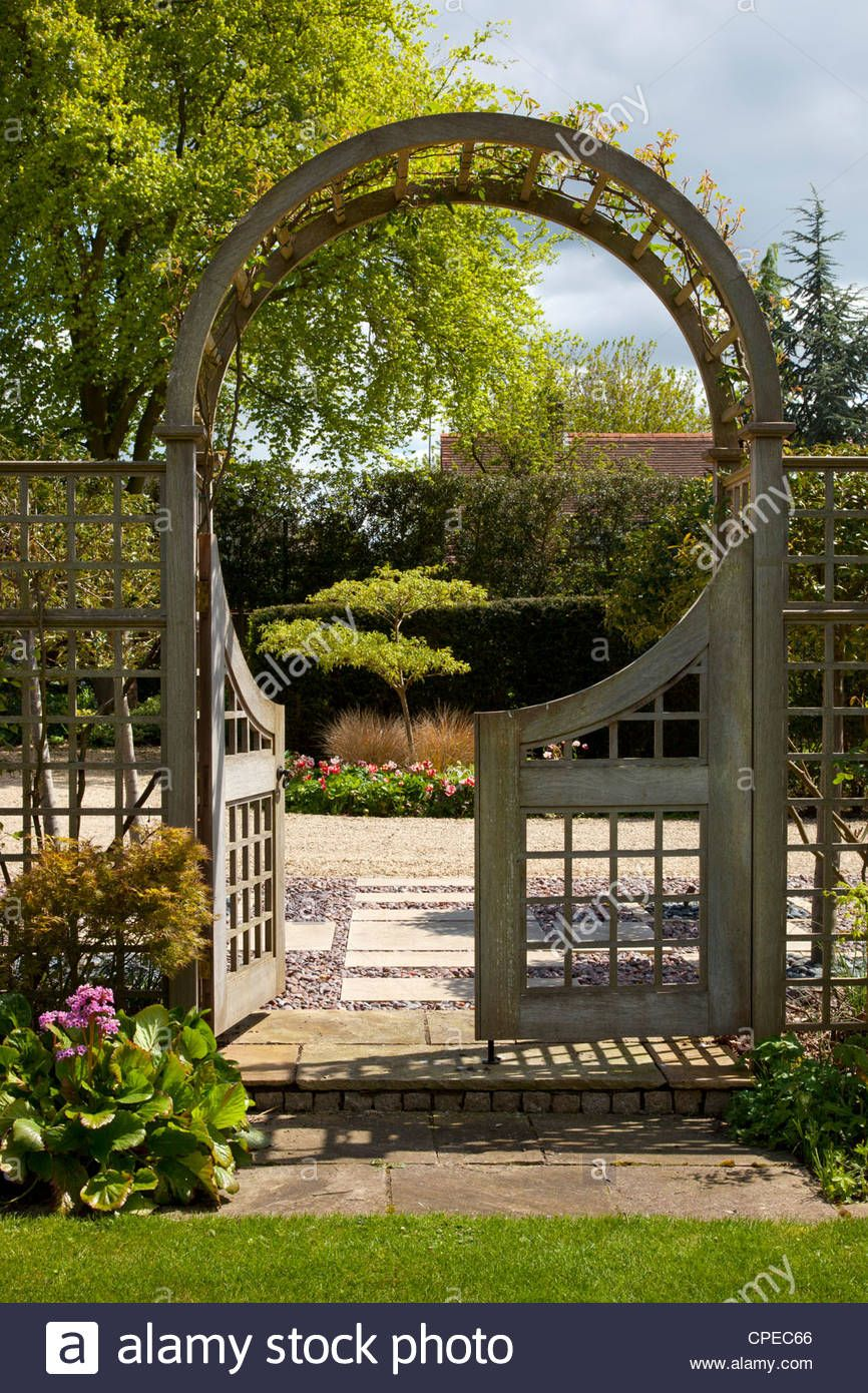 Image result for gardens with arches | Garden arch ideas | Pinterest ...