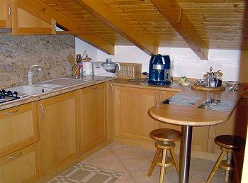 cucina mansarda bassa - Cerca con Google  mansarda ...