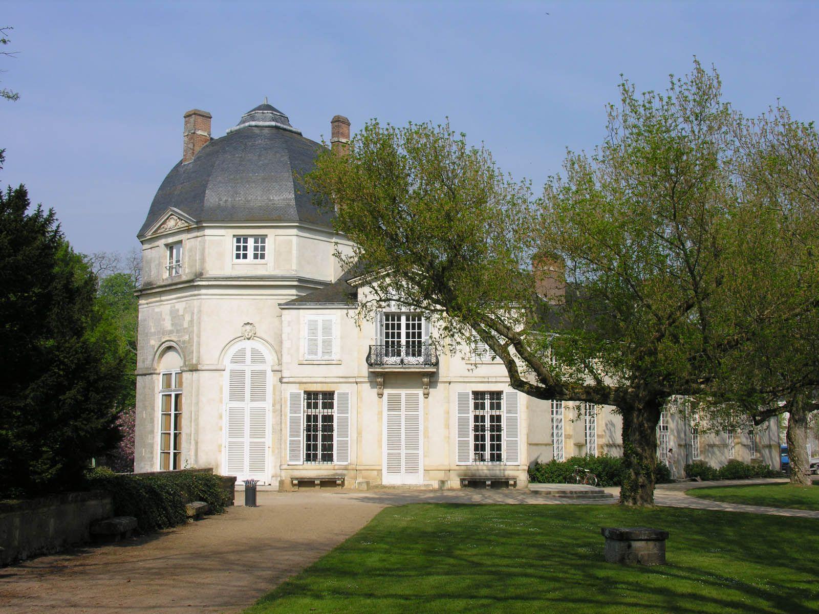 Ch¢teau de Ch¢teauneuf sur Loire France chambre d hotes