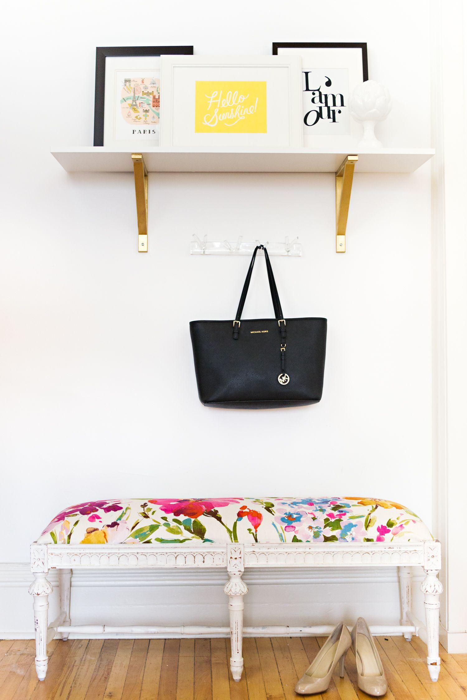 Ashley Malone's Bright & Airy Workspace {Office Tour} Home Office  #SenhoraInspiração  #SenhoraInspiraçãoBlog  www.SenhoraInspiração.Blogspot.com.br