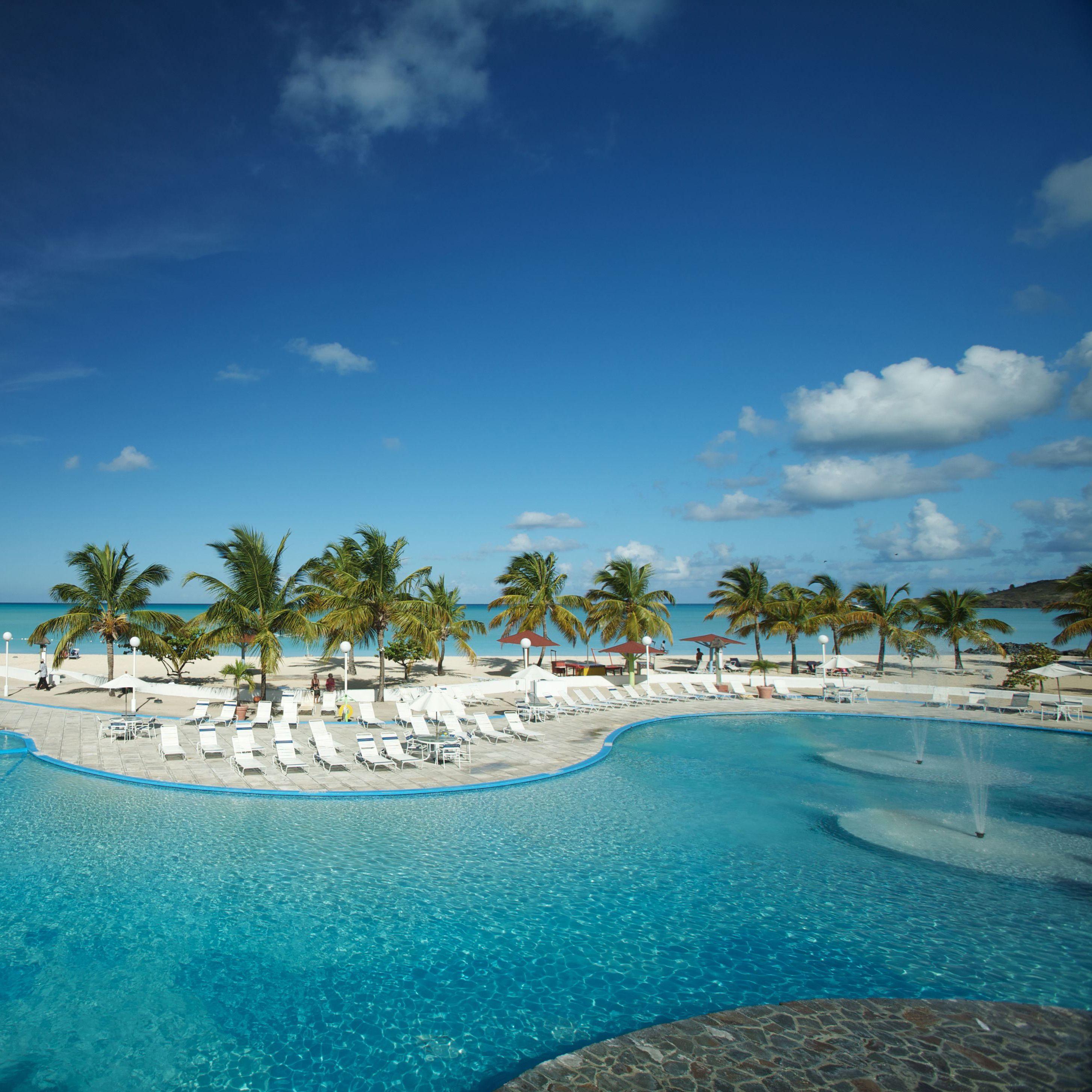 Beach Island: Looking For An Affordable Caribbean Christmas Getaway