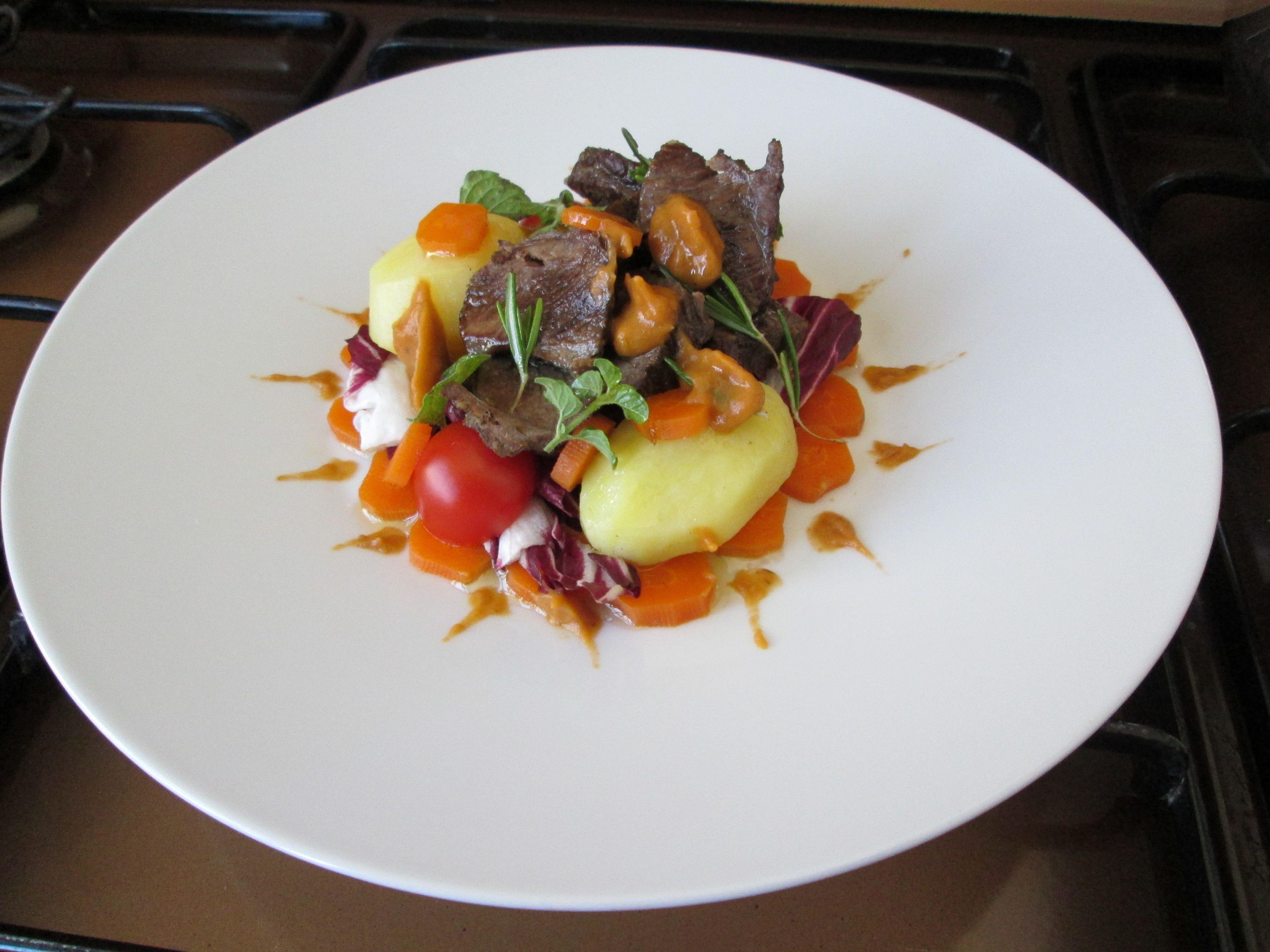 JHS /   Insalata di vitello  con verdure e salsa alle  melenzane  Gino D'Aquino