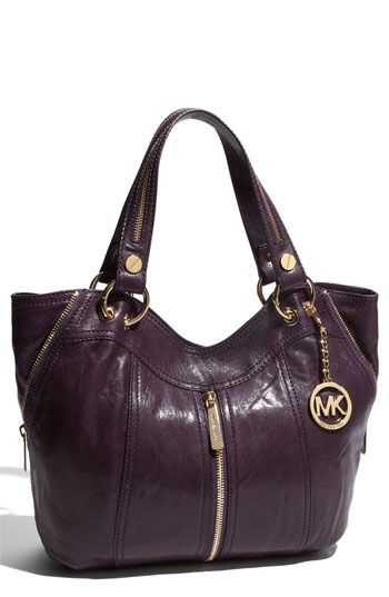 455bbe49ae0a MICHAEL Michael Kors 'Moxley'. I LOVE this bag, take it everywhere ...