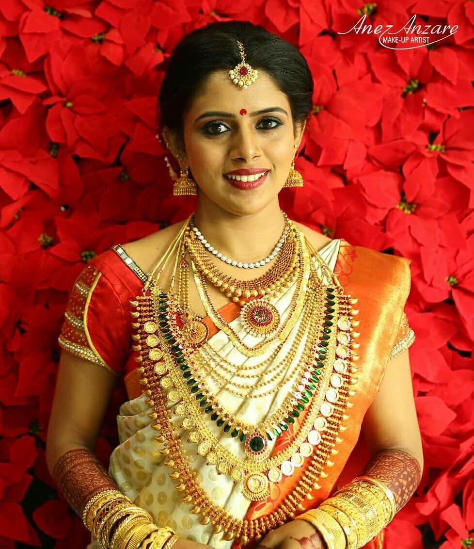 Wedding Sarees For Bride Kerala Hindu: Pin By Alphonsa Thomas On Kerala Bride