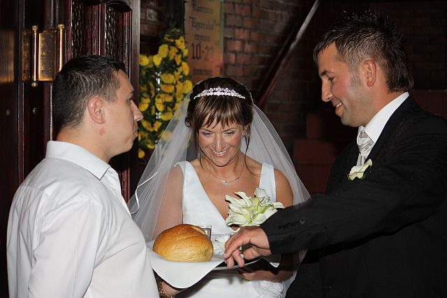 Polish Wedding Traditions - Bread and Salt : wedding