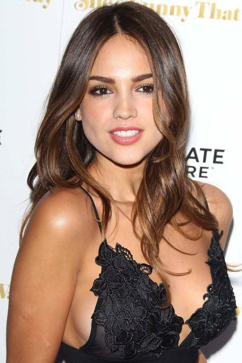 Mexican actress eiza gonzalez loves to be braless naked (84 pics)