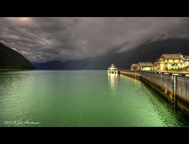 Hardangerfjord Cruise waiting for departure from Eidfjord, Norway. By PhotoArt Hartmann, via Flickr