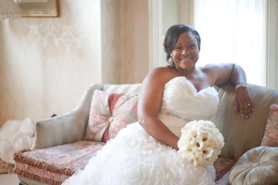 Wedding Gown Designs For Chubby: Dress For The Curvy Bride.