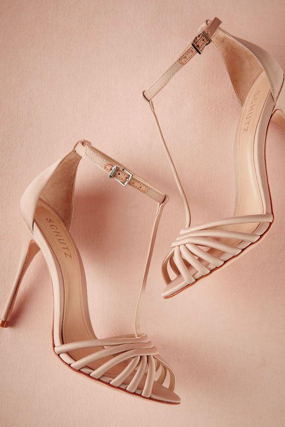 9cc976b17 Inspiração: Madrinhas de neutros | Sapatos/ Sandálias | Sapatos ...