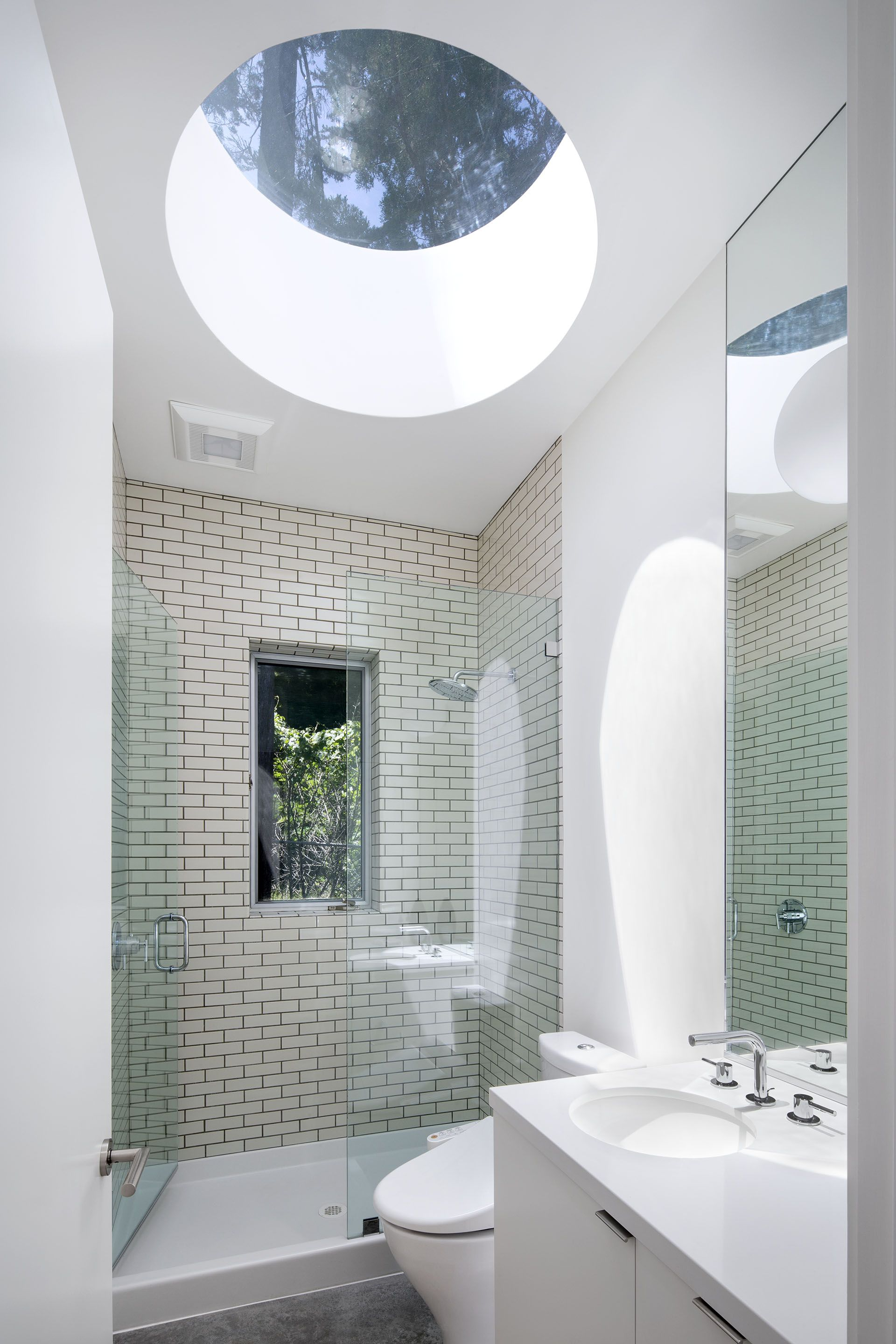Bathroom with Round Skylight Mill Valley Guesthouse