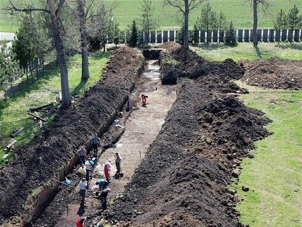 archeológovia, nálezisko, Dolná Strehová