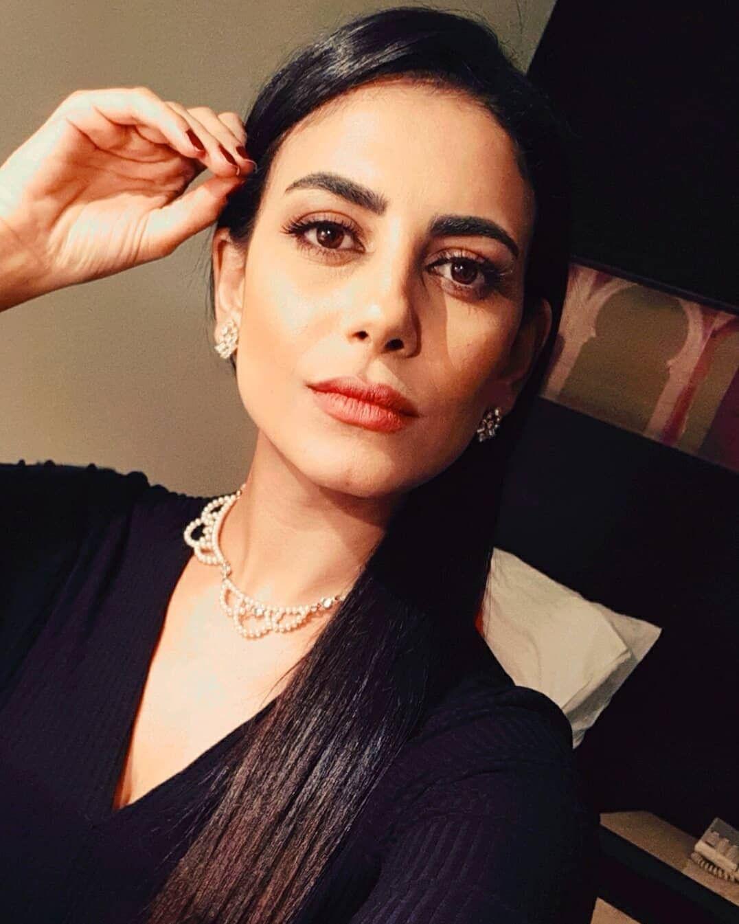 بعد سنوات من مقاطعة السوشيال ميديا ابنة عمرو دياب نور تتحول إلى فاشينستا مجلة هي