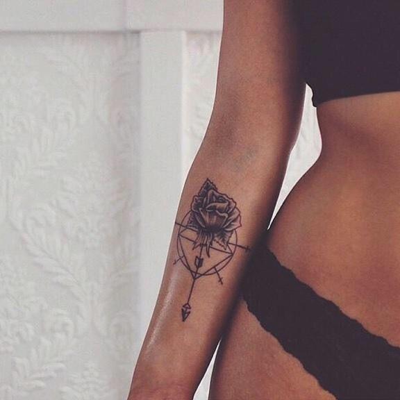 eb07d8d806129 Tattoo rose / arrow | Ink | Arrow tattoos, Diamond tattoo designs ...