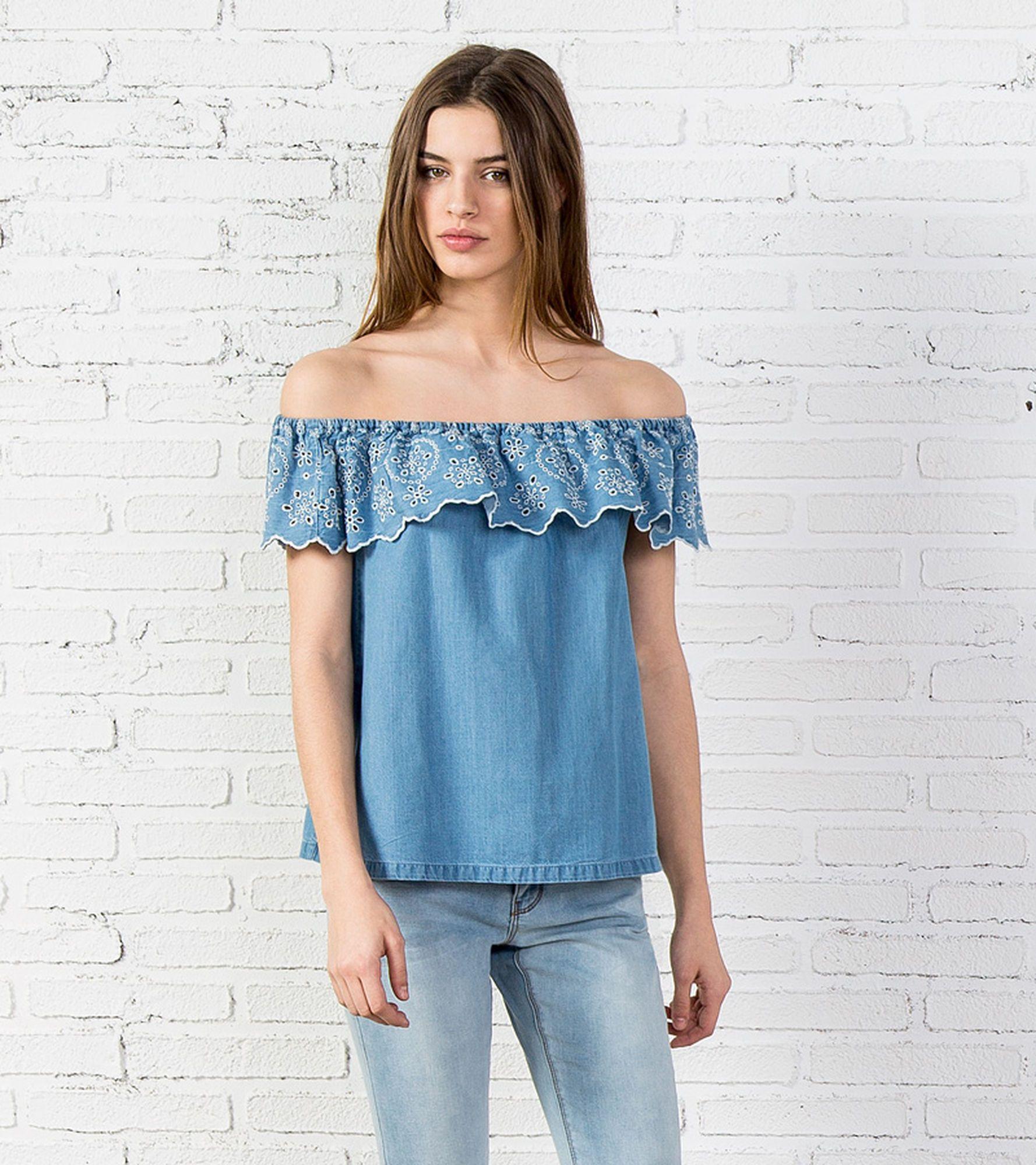 ba6c0bfa8f44 BLUSA DENIM VOLANTE - Camisas | Inspiration | Blusas, Blusa sin ...