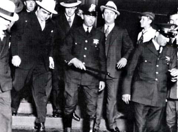 the rise and fall of al capone in new york Leadership: mafia scene in new york and chicago the fall of mobster revolutionary al capone  in order to rise to the top, capone began by gaining territory .