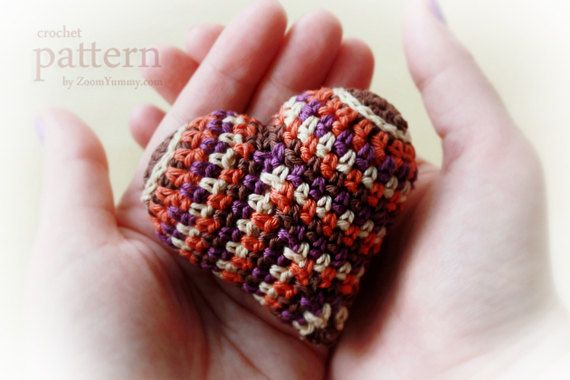 Crochet Pattern - Happy Colorful Crochet Heart // ZoomYummy.com