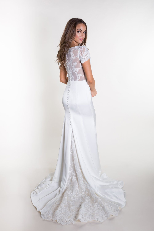Dottie Taylor Heidi Elnora Atelier Short Sleeve Wedding Dress Wedding Dress Cap Sleeves Fitted Wedding Dress [ 1500 x 1000 Pixel ]